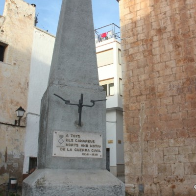 Alcanar Outside Church Remembrance Monument For All Who Died In The Civil War