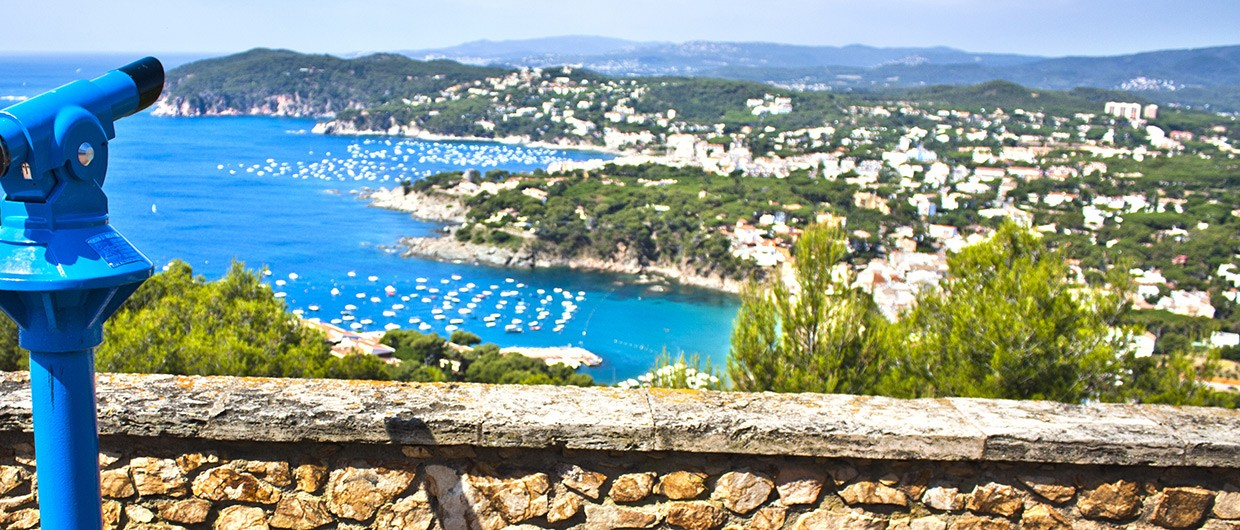 Calella-de-Palafrugell-to-Llafranc-viewpoint-over-bay