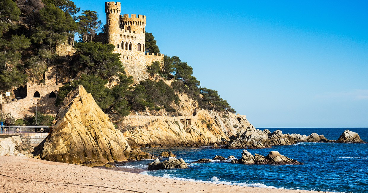 catalonia best beaches with blue flag status. Black Bedroom Furniture Sets. Home Design Ideas