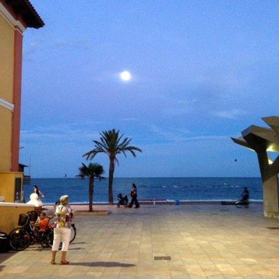 Vinaros promenade almost full moon 17.09.2013