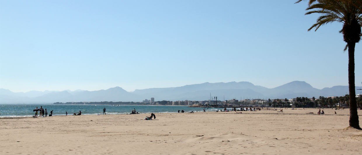 Catalonia best beaches-Llevant Salou