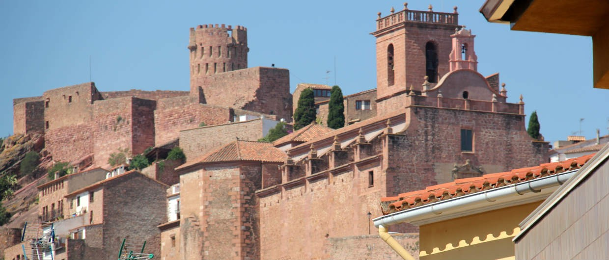 Vilafames castle and old town from below-1