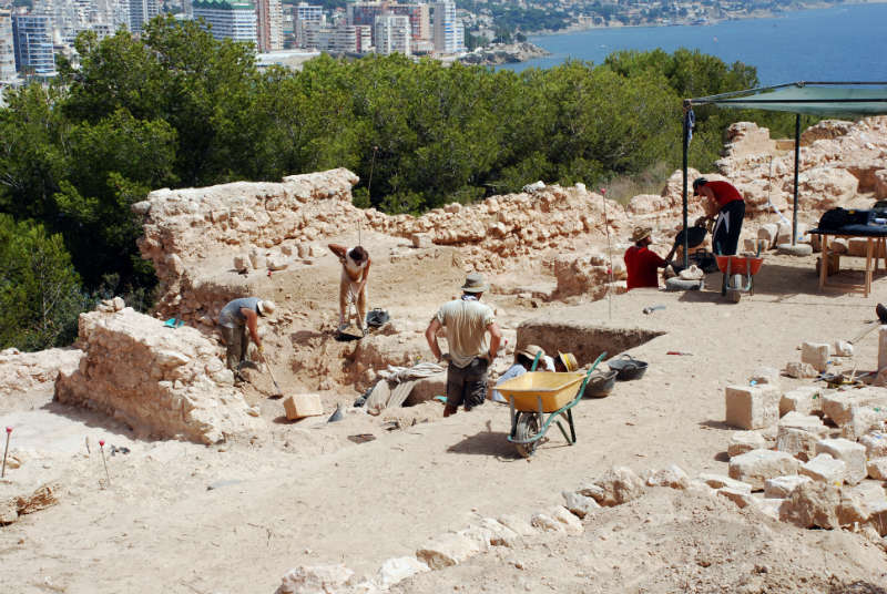 Calpe Pobla d'Ifach archaeologists digging