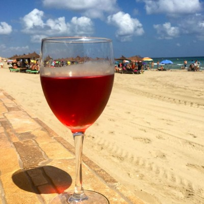 Murcia rose wine by the beach